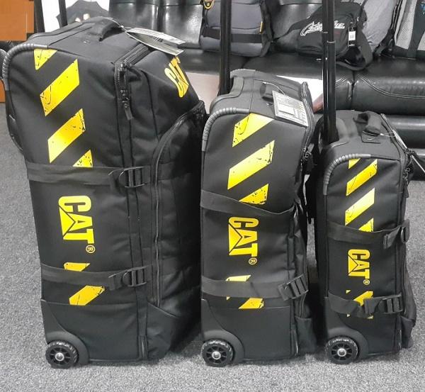 d9f60bca9801 Дорожная сумка CAT Wheel Loaders 83226-01 ― CASE.UA